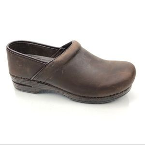 Dansko Pro XP Oiled Leather Professional Clogs